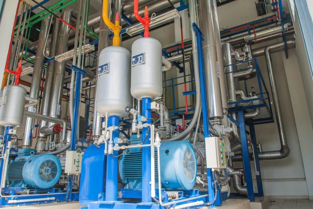 Centrifugal vs Reciprocating Compressors | KB Delta